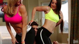 Sexy Mama Recoge Pareja En El Yoga