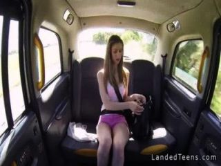 Enormes Tetas De Adolescentes Británicos Se Folla En Taxi Pov