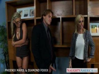 Rubias Fénix Marie Y Diamante Foxxx Mierda En Foursome
