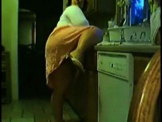 Esposo Prende A Su Mujer En La Cocina Esposa Ardiente En La Cocina