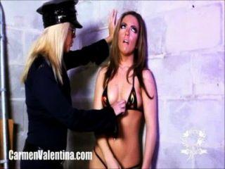 ¡carmen Valentina Consigue Molestado Por El Policía Caliente De La Señora!