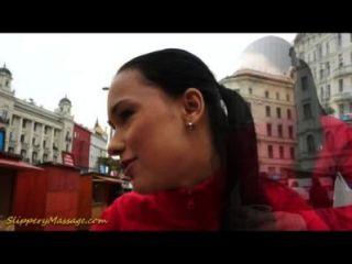Masaje De Nuru Con Carla Cox Y Victoria Dulce