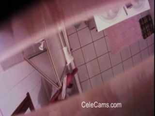 Cámara Oculta Compilar Milf En El Baño