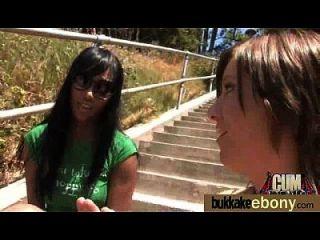 Caliente Ebony Chick En Interracial Gangbang 7