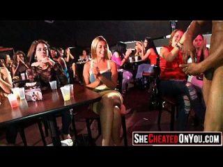 08 Hot Sluts Cogido Fucking En El Club 139