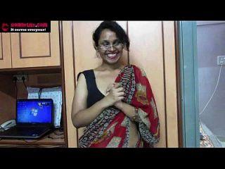 Amateur Indian Babe Lily Sucio Hablar