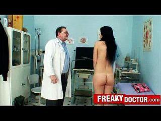Grandes Tetas Naturales Roxy Taggart Maltratado Por Ancianos Kinky Gyno Doctor