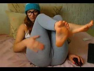 Hermosa Adolescente Mostrar Su Soles En Webcam 666camgirls.com