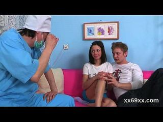 Doc Ayuda Con Himen Físico Y Defloration De Virgen Adolescente