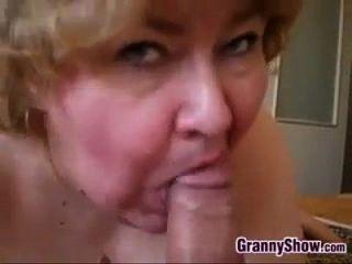 Abuelita Amateur Da Una Gran Mamada