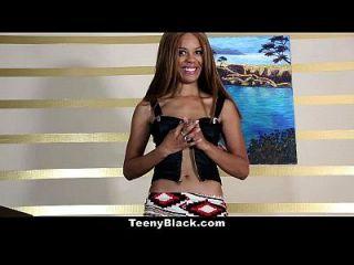 Teenyblack Petite ébano Es Caliente Para Algunos Dick Blanco