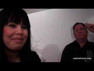 Casting Anal De Una Puta Amateur Gordita En Medias Con Chorros Y Facial