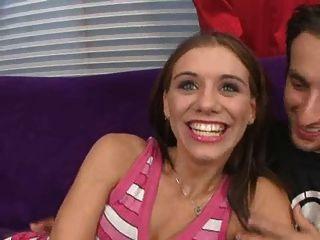 Isabella Amore, Una Chica Cachonda Flaca Y Flexible