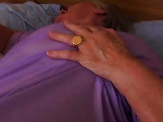 La Abuelita Antigua Todavía Ama El Sexo