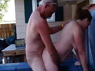 Mi Jefe Folla A Mi Esposa En El Spa Al Aire Libre