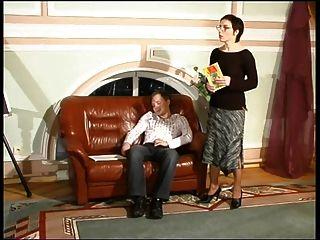 Mamá Rusa 7 Madura Con Un Hombre Joven