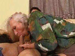 Vieja Abuelita Norma Todavía Follando