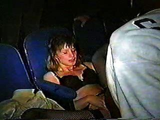 Mujer Puta Gangbanged En El Teatro Cireman