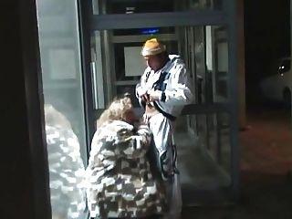 Mujer Gordo Alemán Chupar Y Joder En Público ... Bmw