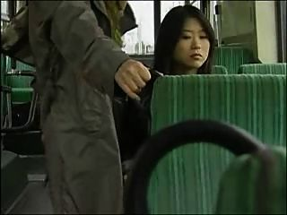 Sexo De Autobús Lesbiano Japonés (censurado)