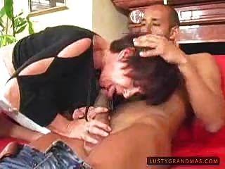 Horny Granny Le Gusta La Polla Negro 1