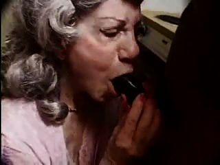 Oh Mi Puta ... ¡pare La Abuelita Porno! F70
