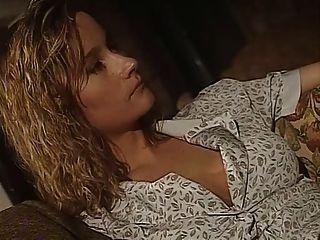 Il Castello Delle Anime Dannate (1998) Película Porno Completa