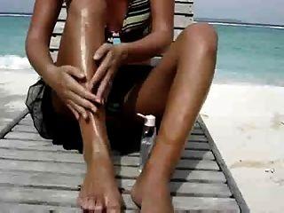 Sexy Esposa Masturbándose En La Playa