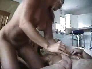 Chico Cumming Dentro De Su Novia Rubia Gran Cogida!