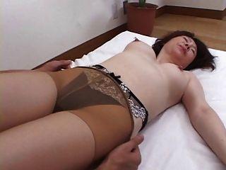 Japanese Grannie Loves It Part1 De 2