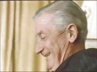 Hombre Mayor En Traje ... Jean Villroy Consigue Una Mamada ... Desgaste Tweed