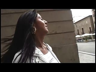 La Chica Española Llamada Soraya Es Follada Por Un Gordo Peludo
