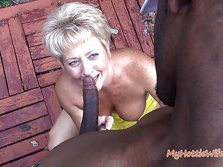 Tracy Licks .... Se Ve Atrapado Por El Vecino Travieso!