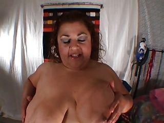 Gran Busty Mexicano Milf Botín