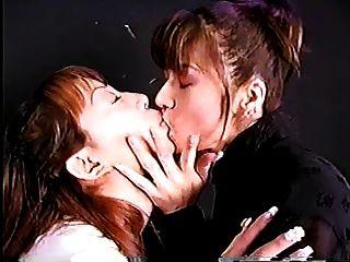 Profundamente Duro Beso Chicas Japonesas Con La Lengua Larga