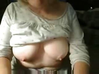 54 Años Busty Granny, Homealone Fingering