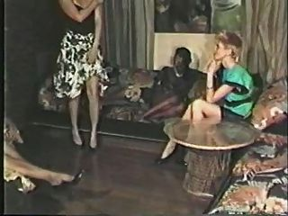 Chica Negra, Escena Lesbiana De Chico Blanco