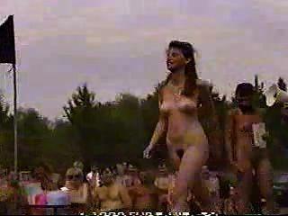 Concurso De Nudismo