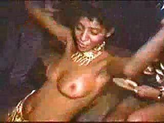 Carnaval En Rio Topless Babes Dancing
