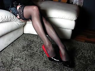 Piernas Perfectas Y Tacones Altos Y Zapatos Y Cuerpo Mujer
