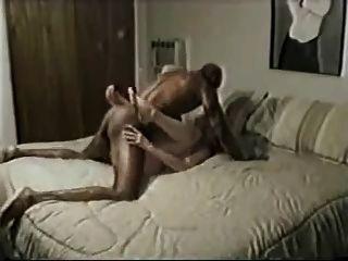 Esposa Follada Por El Hombre Negro Más Duro Y Ella Cums Mucho!