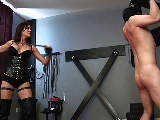 Sexy Señora Azotando