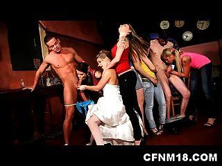 Cool Cfnm Hen Partido En El Club De Praga Con Adolescentes Sexy