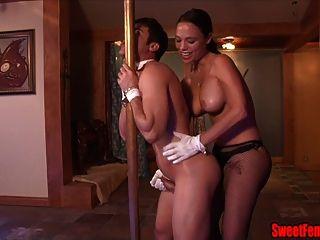 Sexy Noche Club Jefe Veronica Amor Strapon Ballbusting Mierda