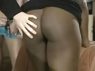 Ebony Swing Shift Escena Lesbiana