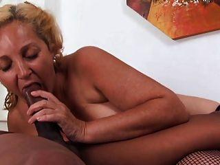 Abuelita Brasileña Simone