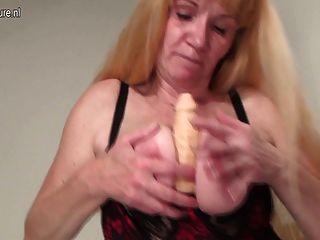 Abuela Aficionada Chorros Como Una Puta