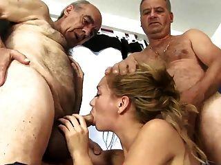 2 Viejo Hombre Peludo Fucking Joven Esposa