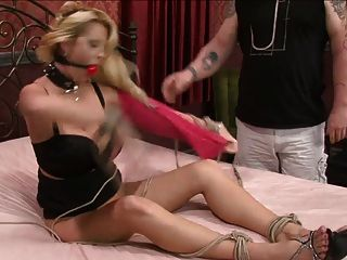 Big Breast Blond Bound And Fucked 1 De 2