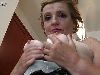 Abuelita Sucia Con Los Consolos Saggy Tits El Consolador Negro